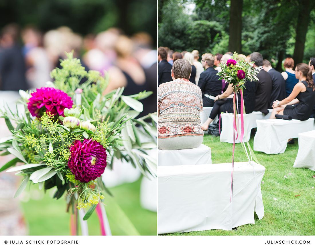 Blumenschmuck für Gang beii einer Hochzeit von jens Weidemann