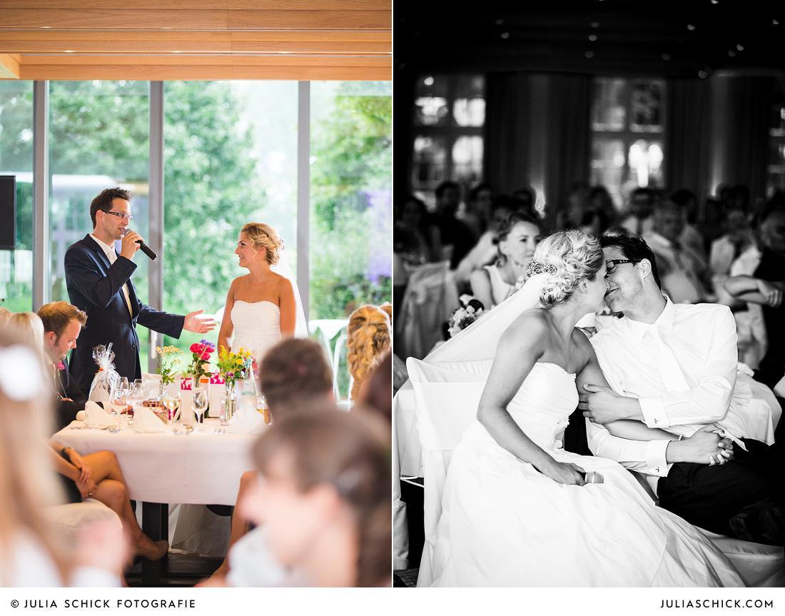 Brautpaar hält Rede