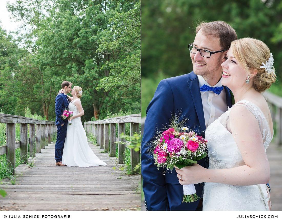 Brautpaar auf Brücke imWienburgpark