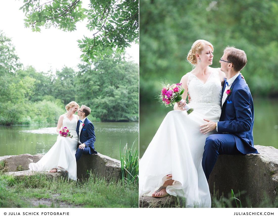 Hochzeitsfotos von Brautpaar am See im Wienburgpark