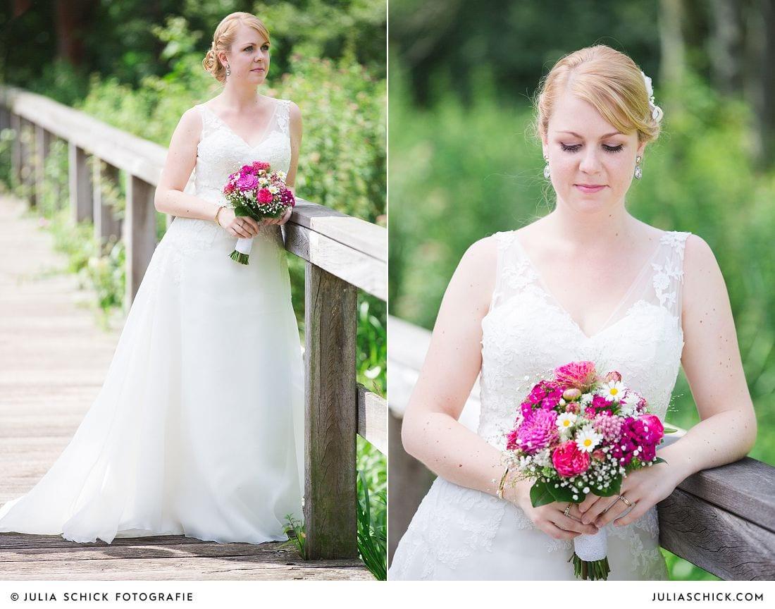 Braut mit Brautstrauß von Blütenzauber