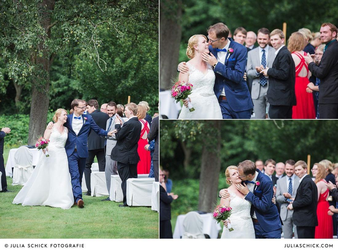 Ausmarsch Brautpaar bei Freier Trauung auf Gut Havichhorst