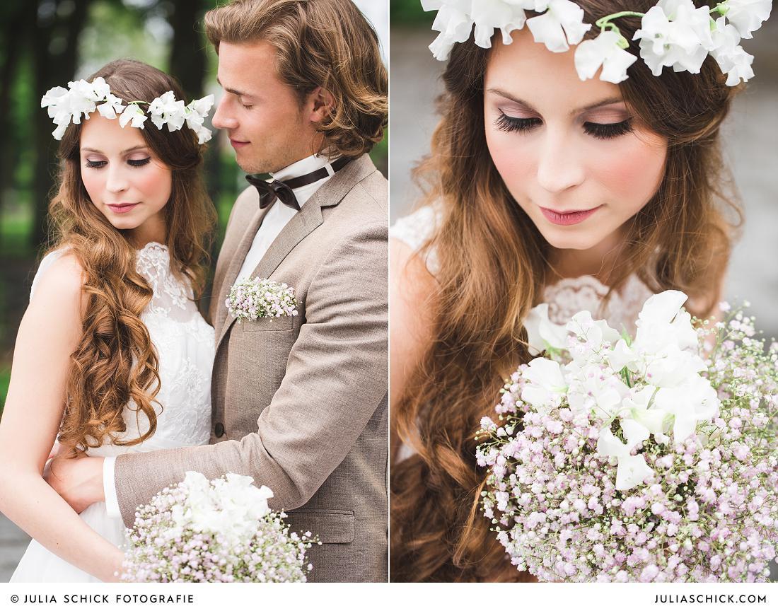 Vintage Braut mit Blumenkranz und Brautstrauß aus Schleierkraut auf den Hof zur Linde