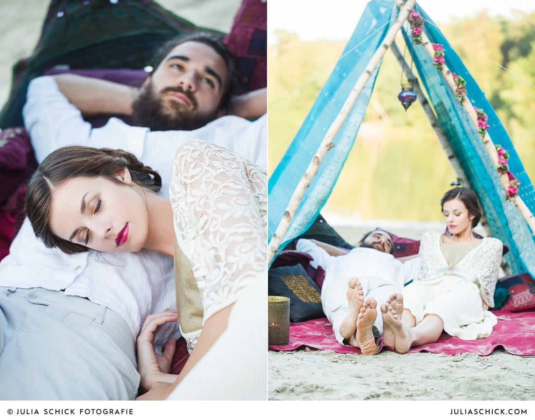 Boho-Braut vor blauem Hippie-Zelt
