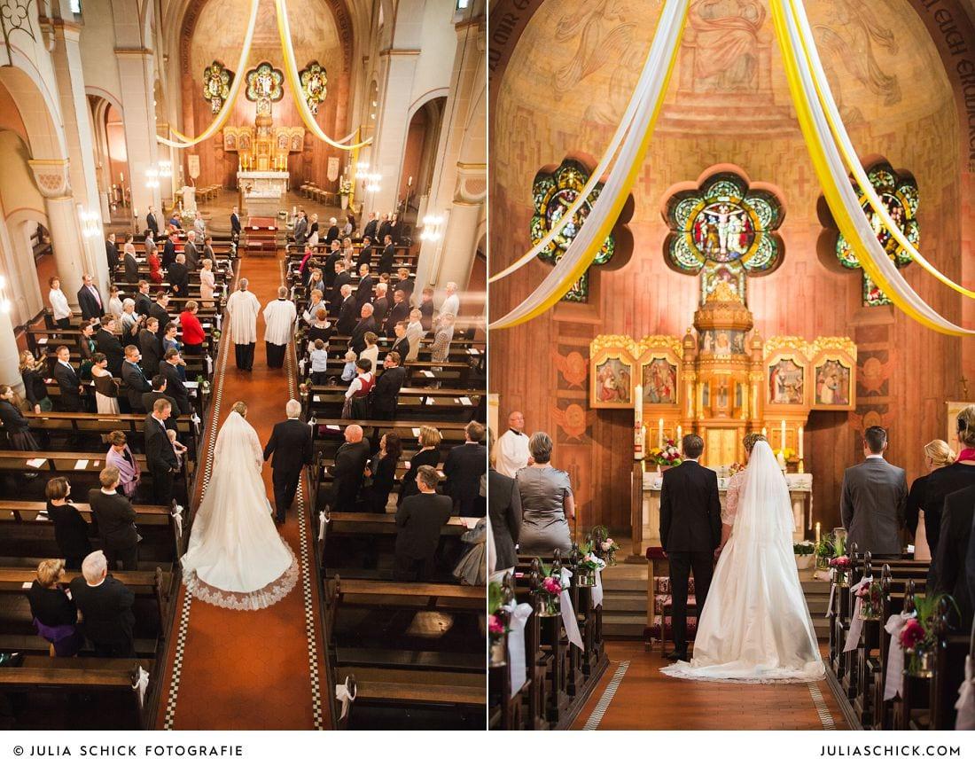 Brautpaar bei Einmarsch in Herz jesu Kirche Kamen Heeren