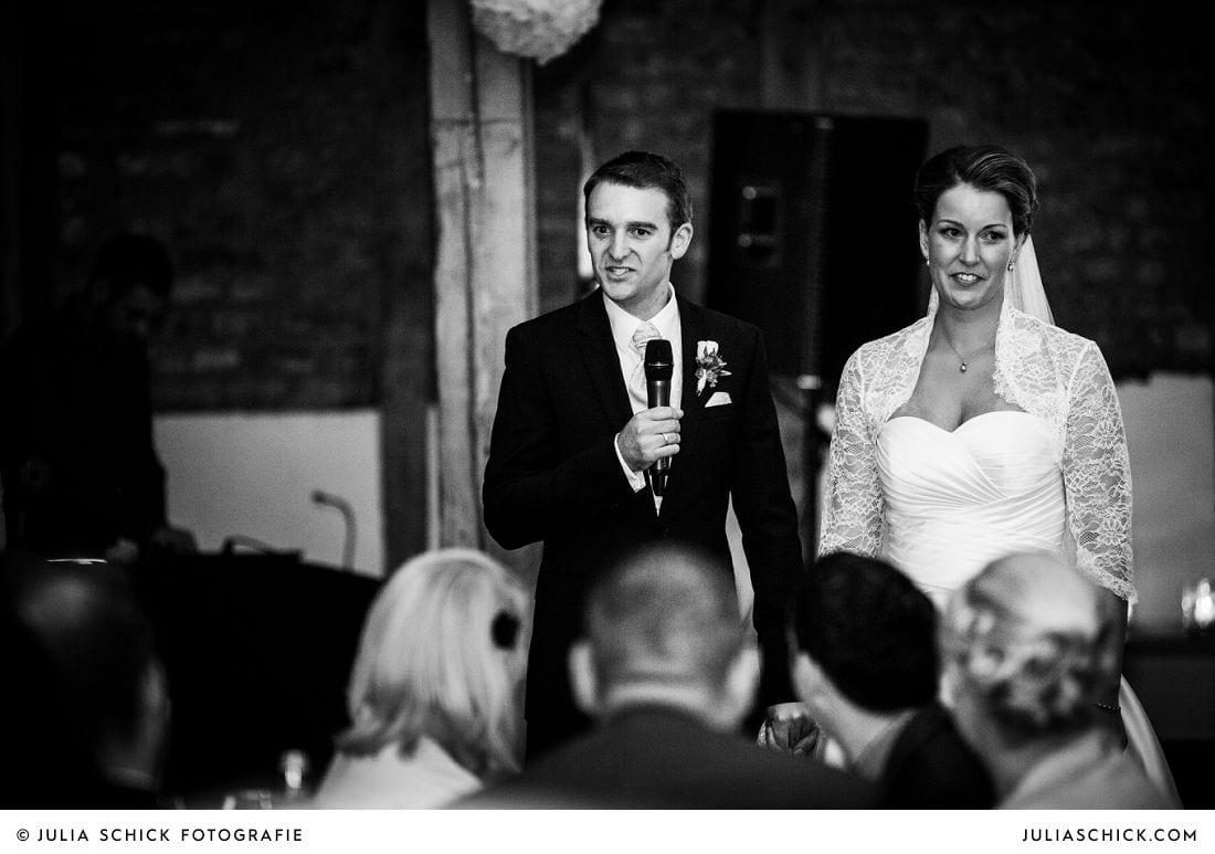 Brautpaar bei Rede auf Gut Kump, Hamm
