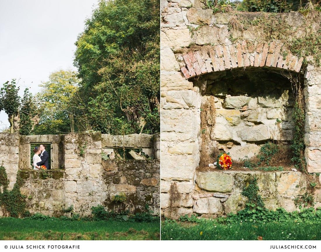 Brautpaar vor standesamtlicher Trauung Haus Marck vor Ruine