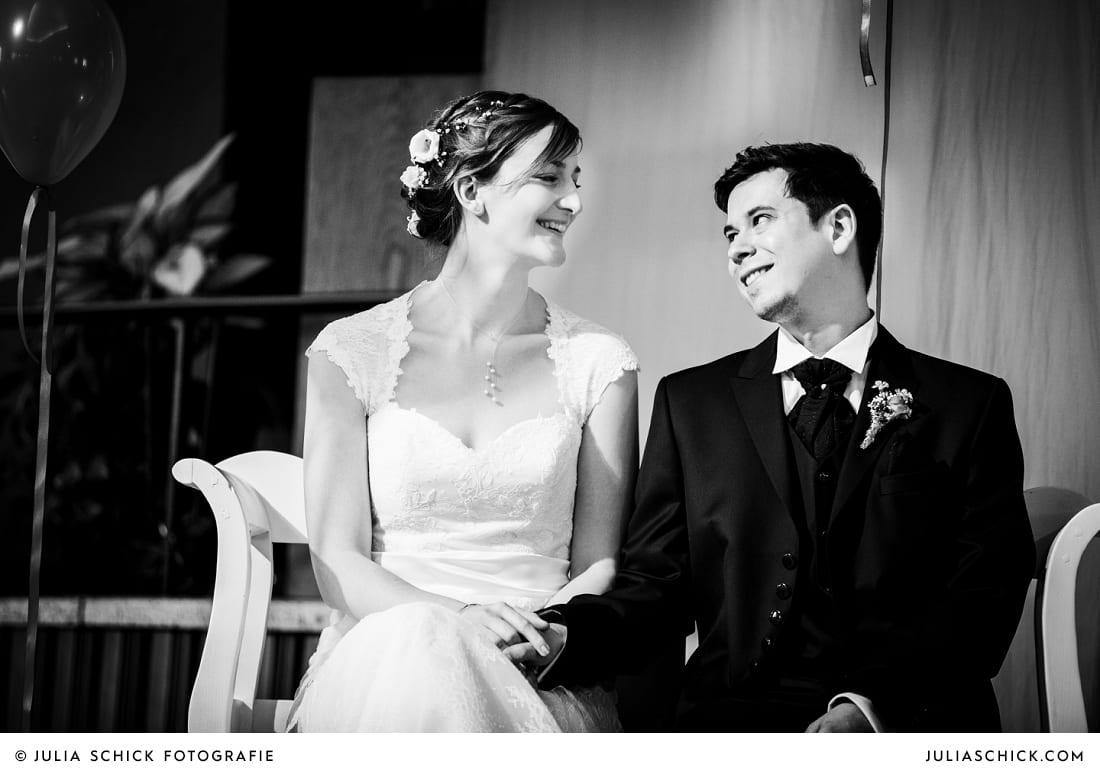 Brautpaar bei kirchlicher Trauung in Gelsenkirchen