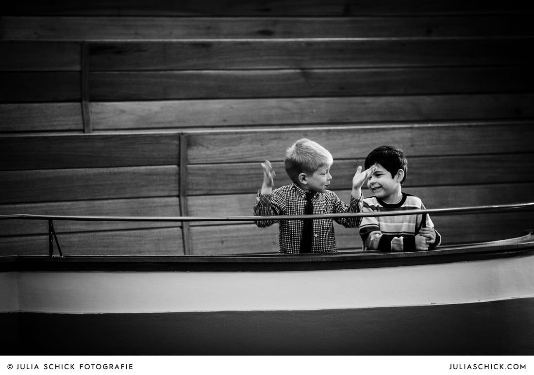 Kinder bei kirchlicher Trauung in Gelsenkirchen