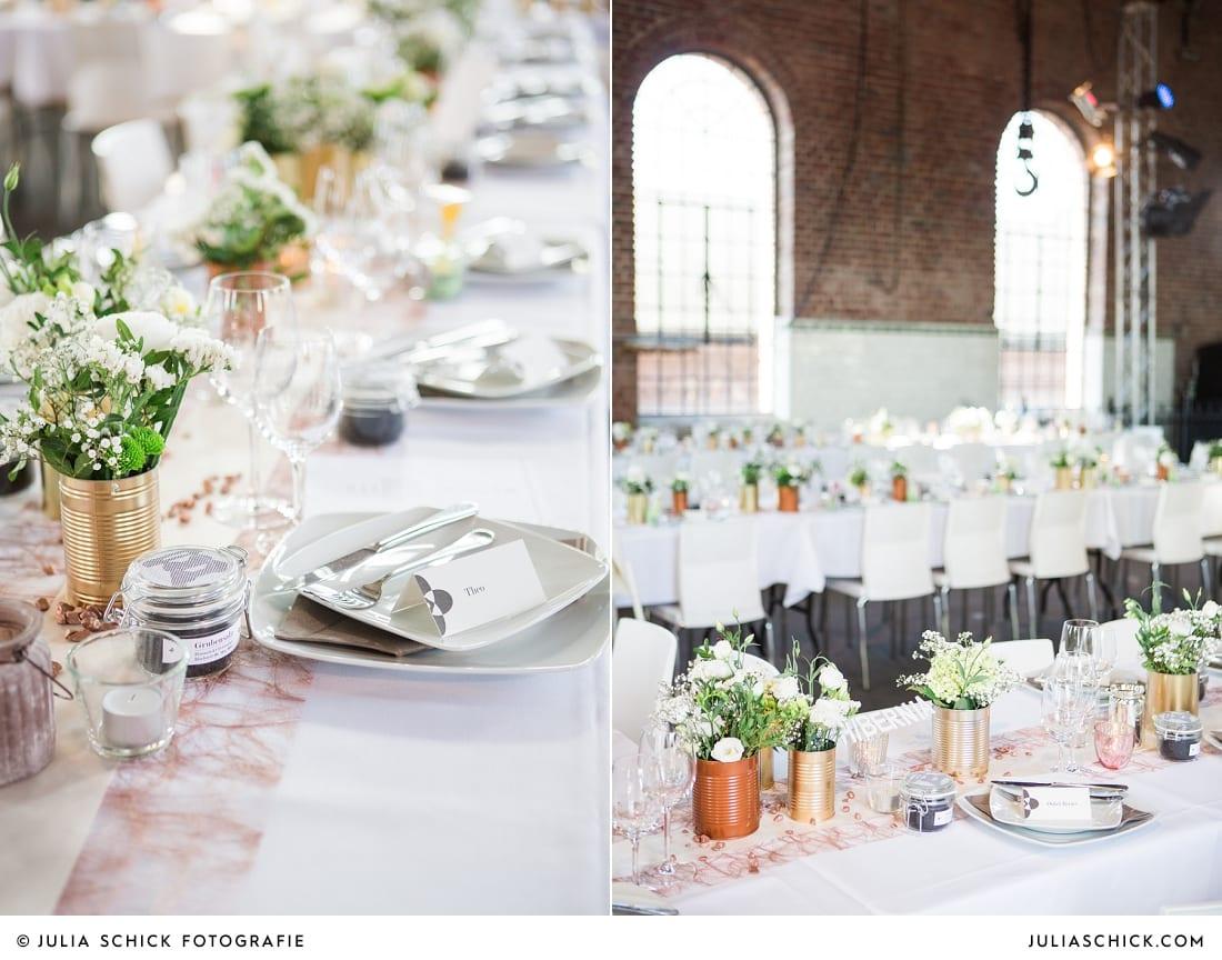 Namensschild und Tischdekoration mit Konservendosen bei Hochzeitsfeier auf der Künstlerzeche Unser Fritz in Herne