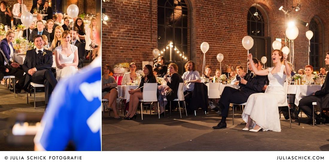 Feierndes Brautpaar bei Hochzeitsfeier auf der Künstlerzeche Unser Fritz