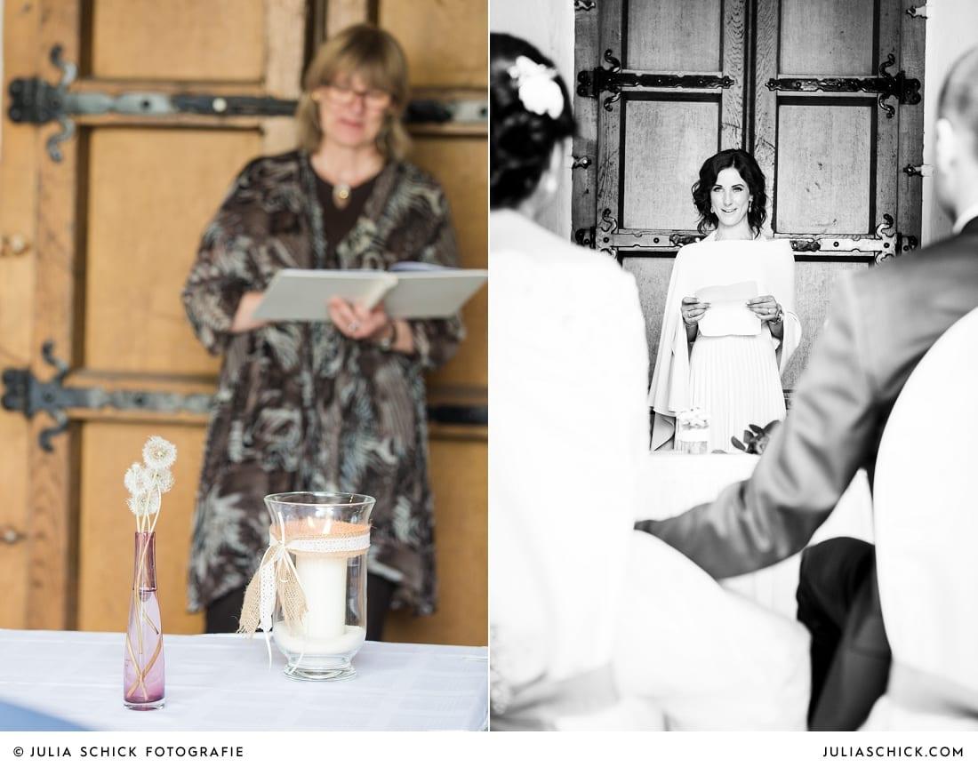 Trauzeugin und Freirednerin Inga Voss bei freier Trauung auf Burg Hülshoff