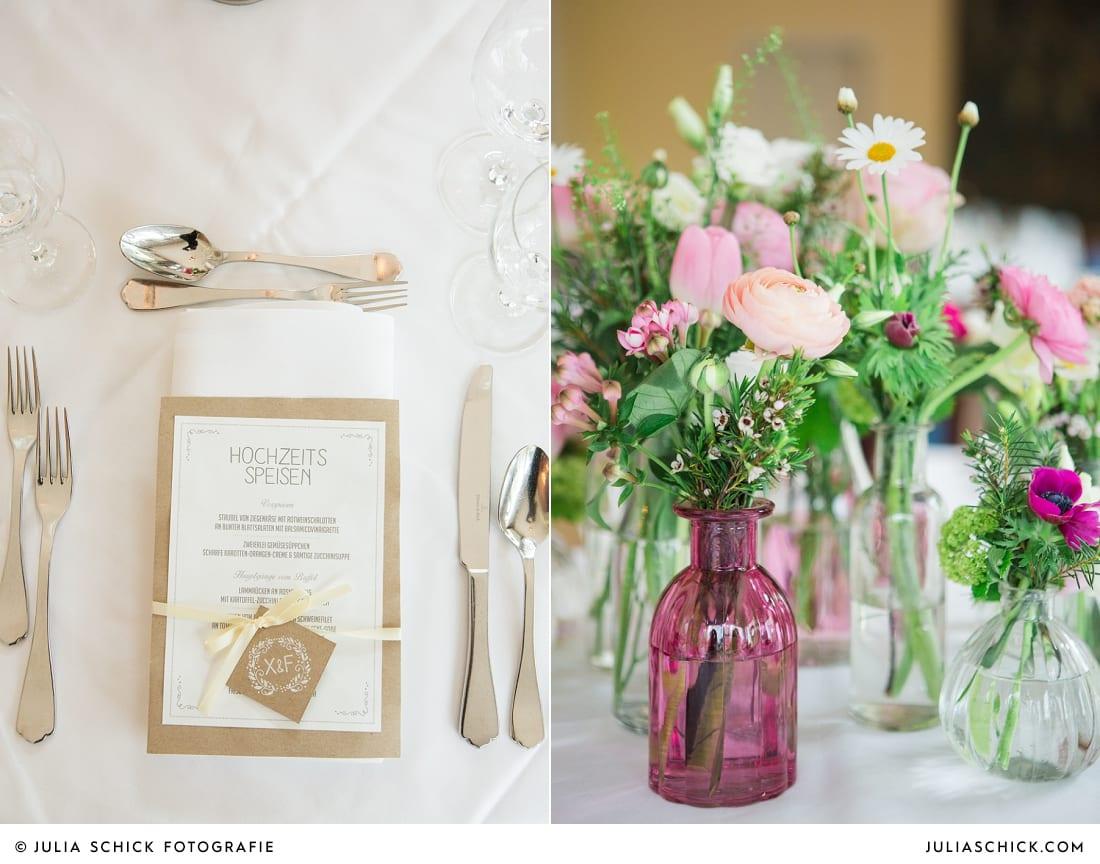 Hochzeitsdekoration von Blütenzauber auf dem Sudmühlenhof, Menükarte Hochzeitsessen