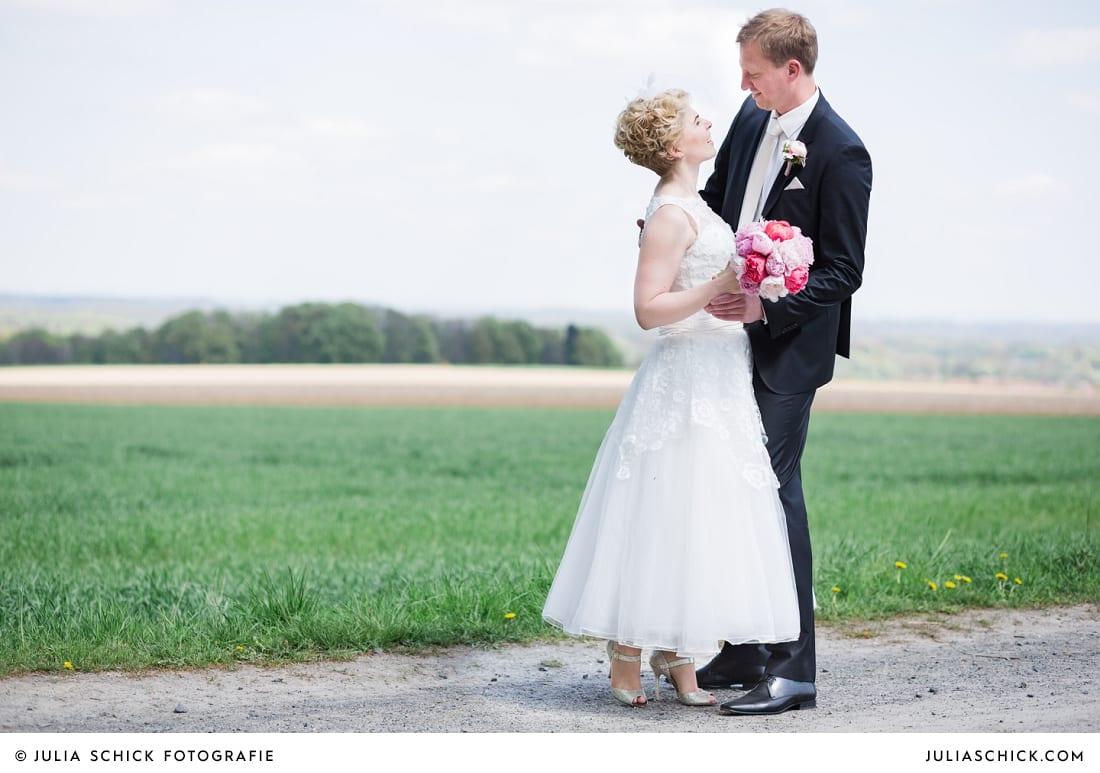 Brautpaar bei Fotoshooting in den Baumbergen Havixbeck