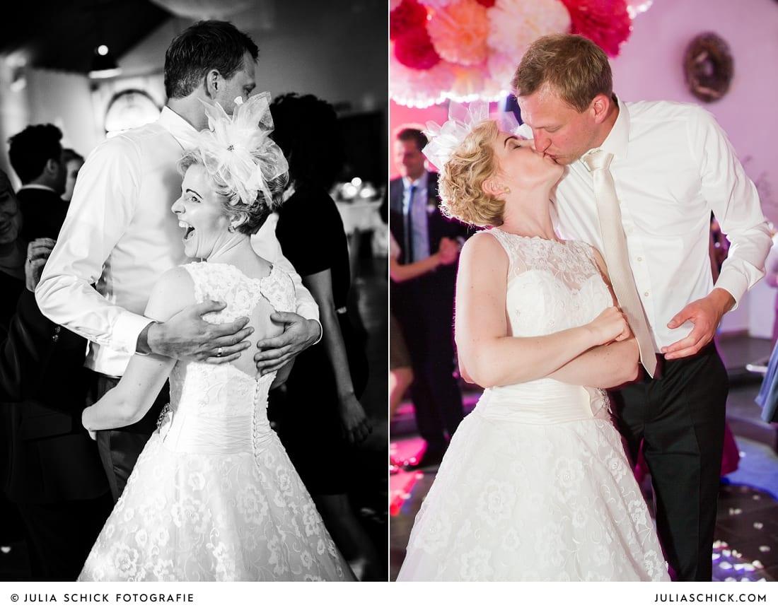 tanzendes Brautpaar bei Hochzeitsfeier auf dem Marienhof, Baumberge Nottuln