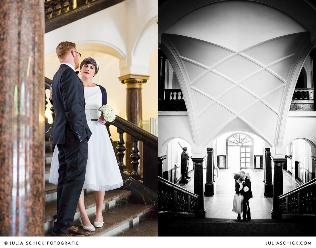 Brautpaar vor standesamtlicher Trauung im alten Rathaus in Dortmund