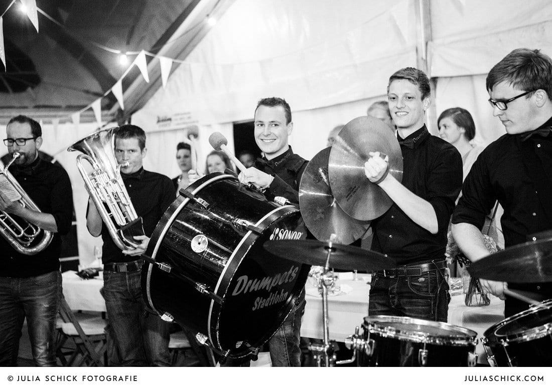 Drumpets Stadtlohn bei Hochzeit in Festzelt an der Gaststätte Haarmühle in Ahaus Alstättte