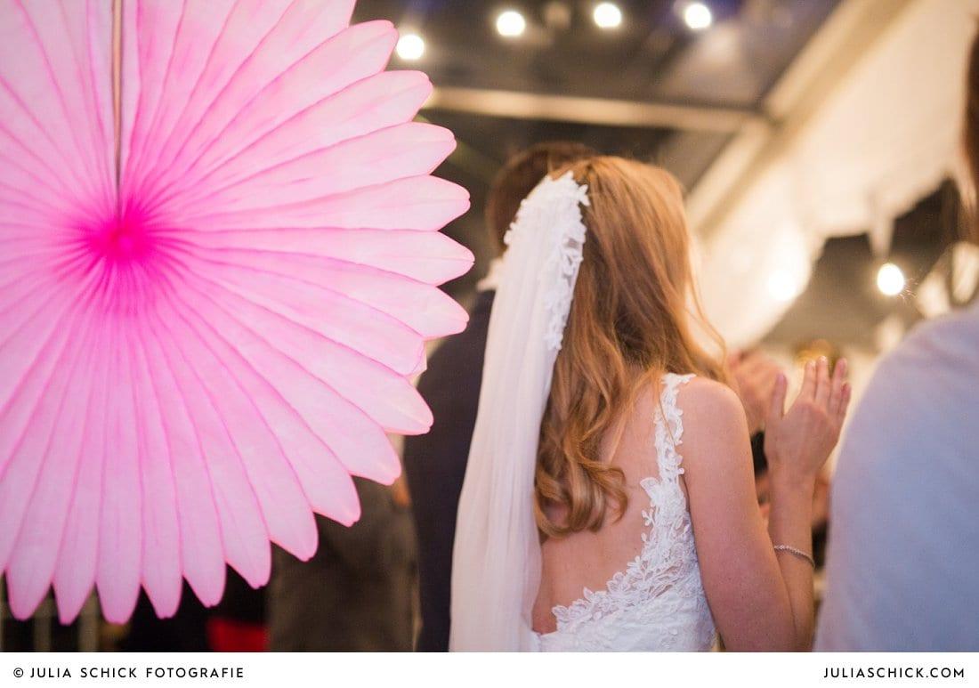 Faltrosette als Hochzeitsdekoration bei Hochzeitsfeier in Haarmühle in Ahaus Alstättte