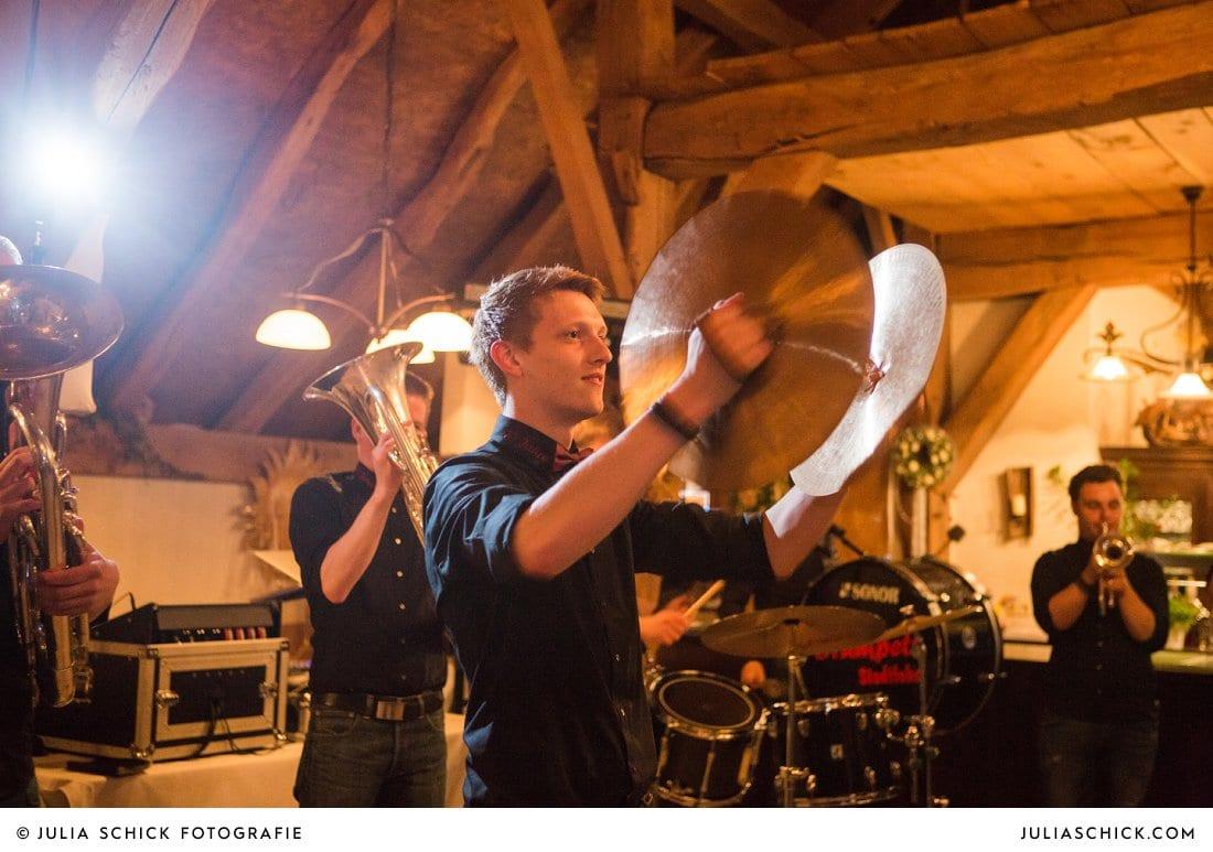 Becken der Drumpets Stadtlohn bei Hochzeitsfeier in der Festscheune des Gasthaus Haarmühle