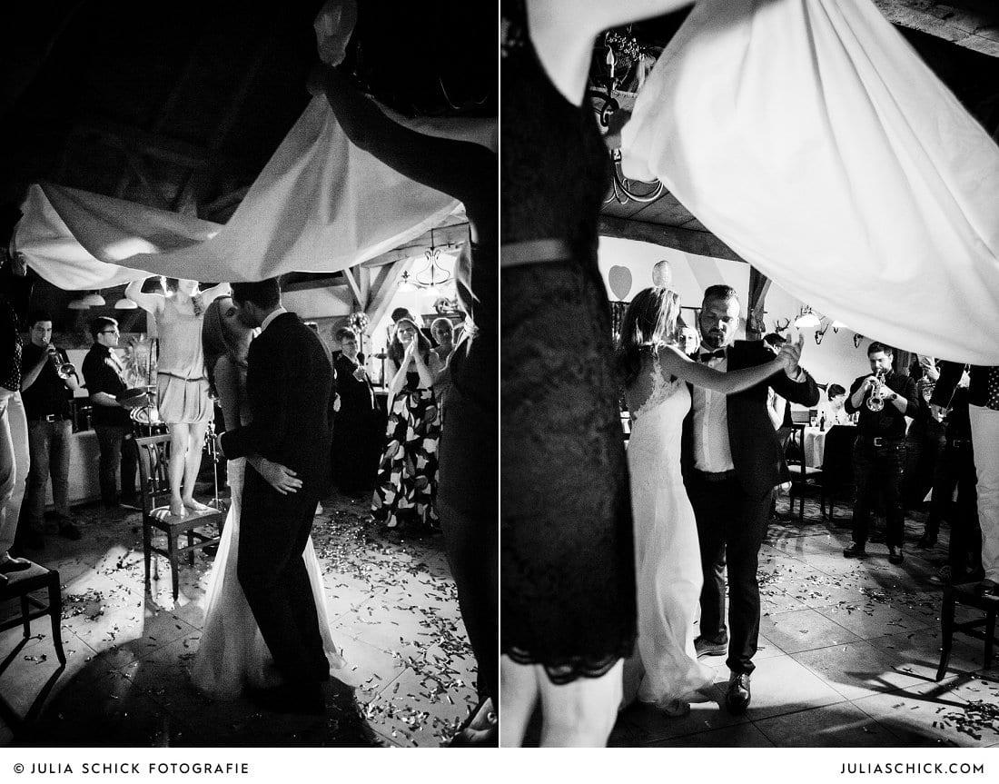 Schleiertanz bei Hochzeitsfeier in der Festscheune Haarmühle