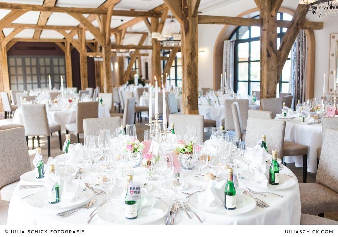 Tischdekoration bei Hochzeit im Torhaus des Hof zur Linde Münster