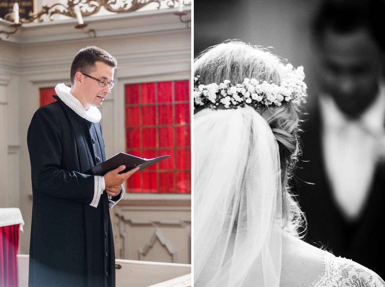 Dänisch-lutherischer Pfarrer hält kirchliche Hochzeitsmesse in der Kapelle von Schloss Glücksburg