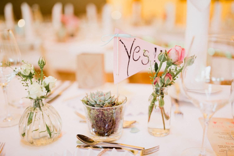 Hochzeitsdekoration mit Sukkulenten im Boho- und Vintage-Stil