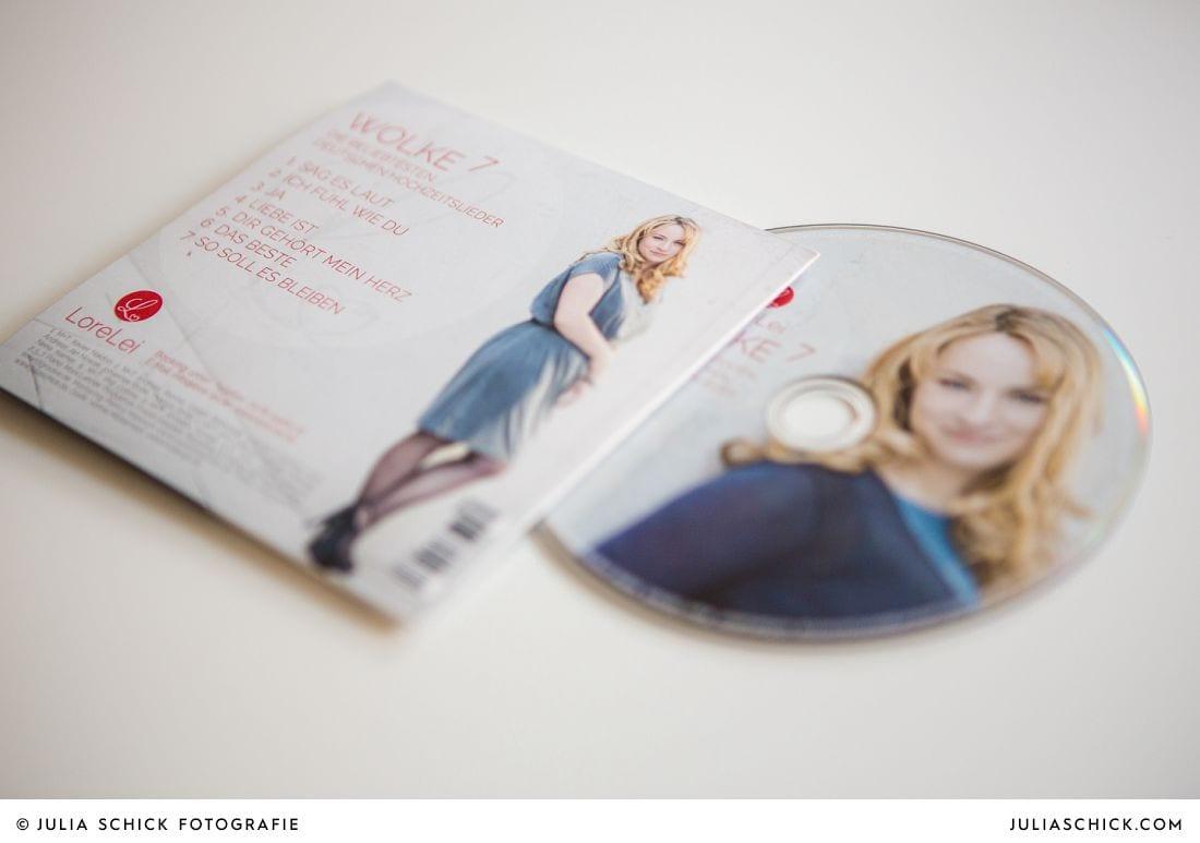 Albumcover von Sängerin und Djane LoreLei, Fotoshooting am LWL Museum am Domplatz in Münster