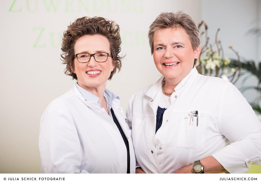 Teamfoto der Ärztinnen Mempel und Stratmann der Kinderwunschpraxis an der Promenade Münster