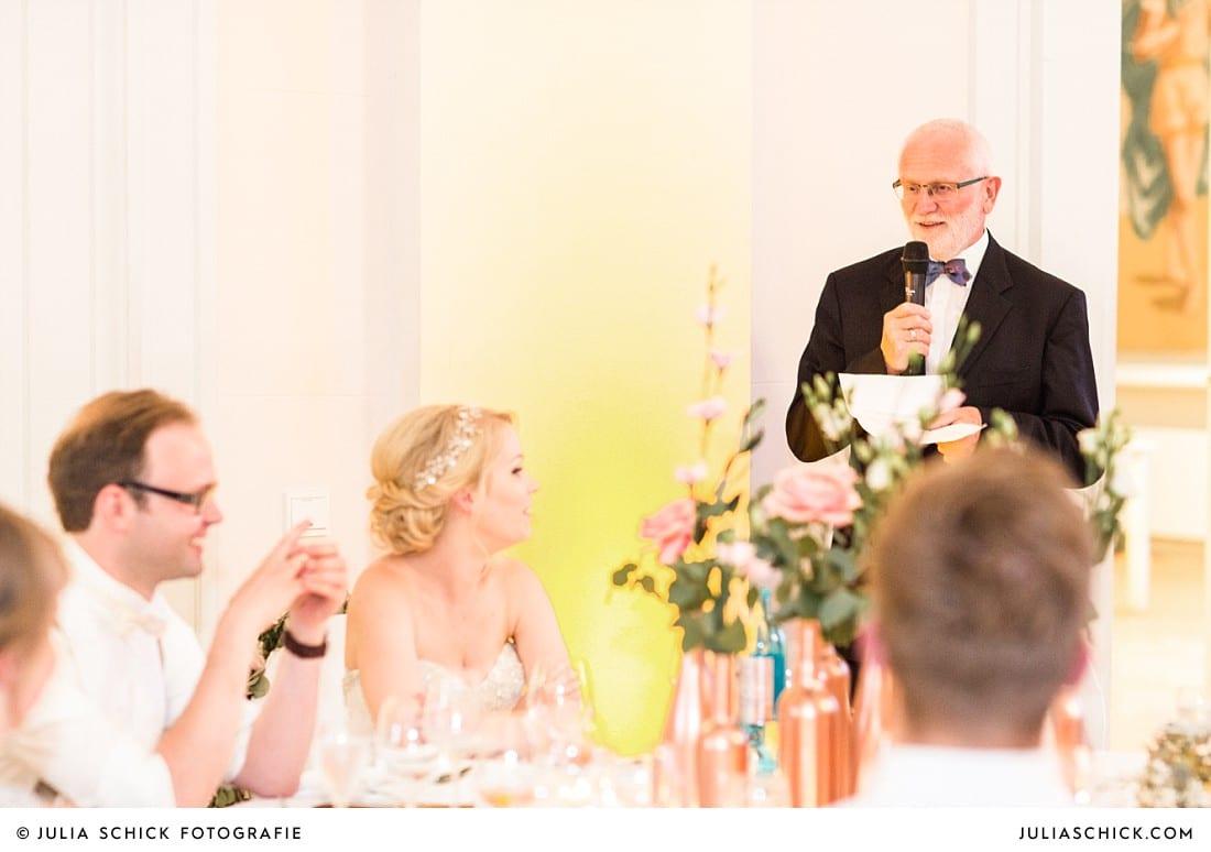 Rede bei einer Hochzeit im Koblenzer Schloss
