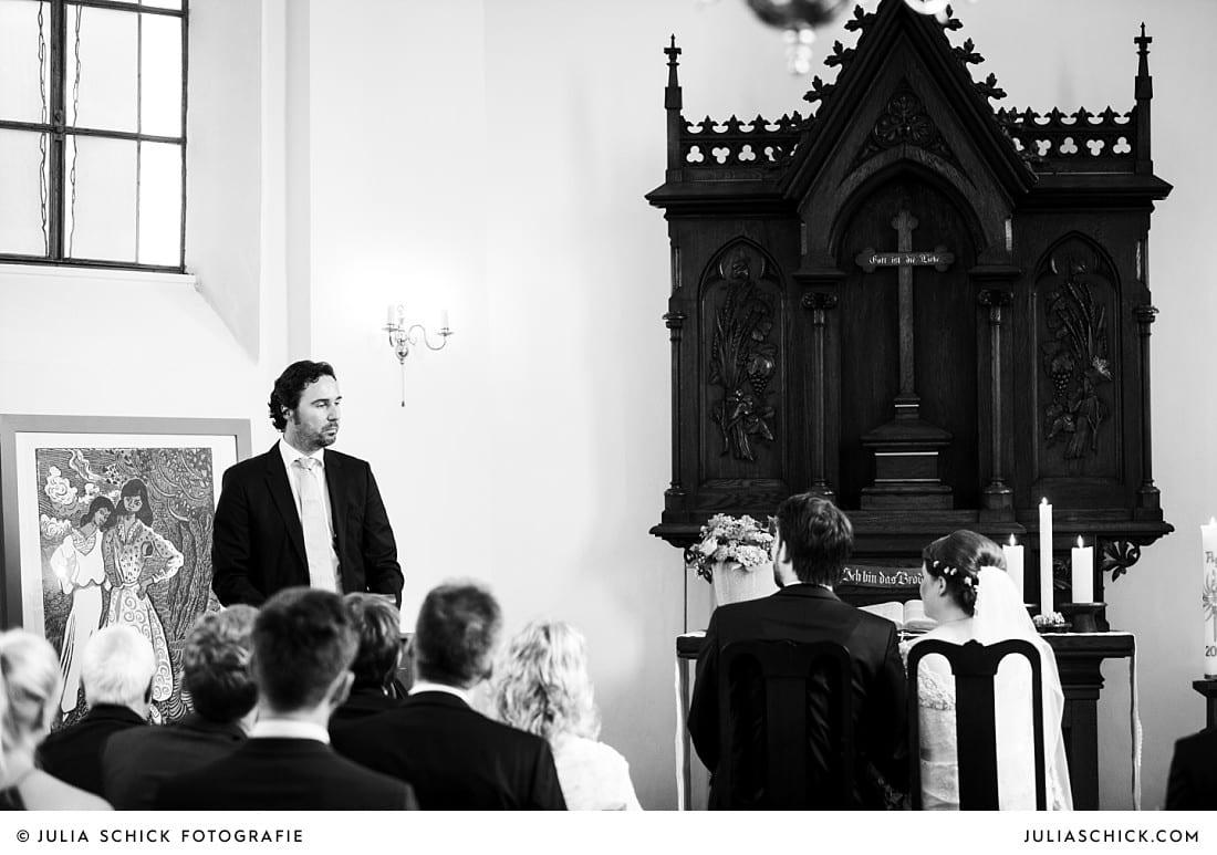 Fürbitte während der kirchlciehn Trauung in der evangelischen Kirche Lüdinghausen