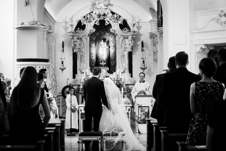 Brautpaar vor dem Hochaltar in der Dyckburgkirche in Münster