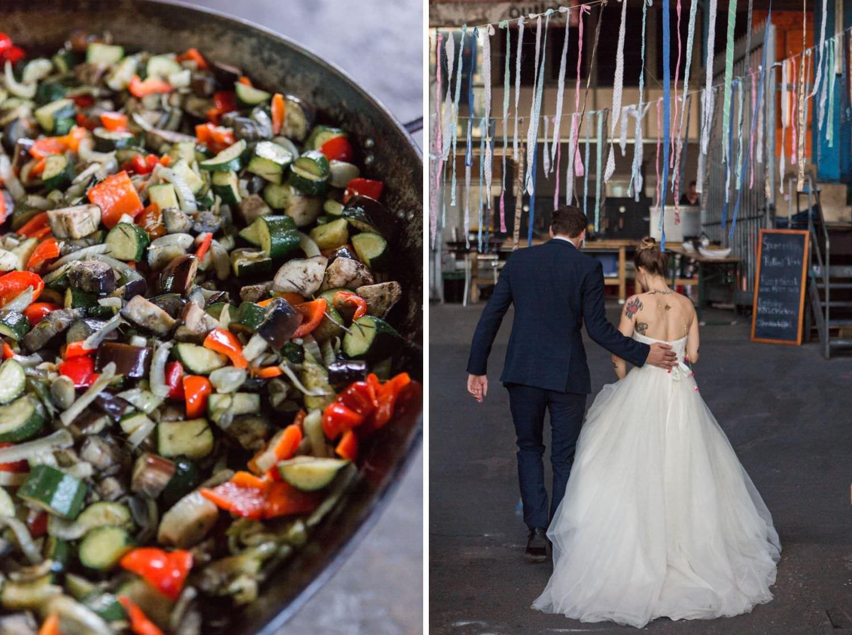 Brautpaar isst bei Foodtruck bei Hochzeitsfeier am Skaters Palace